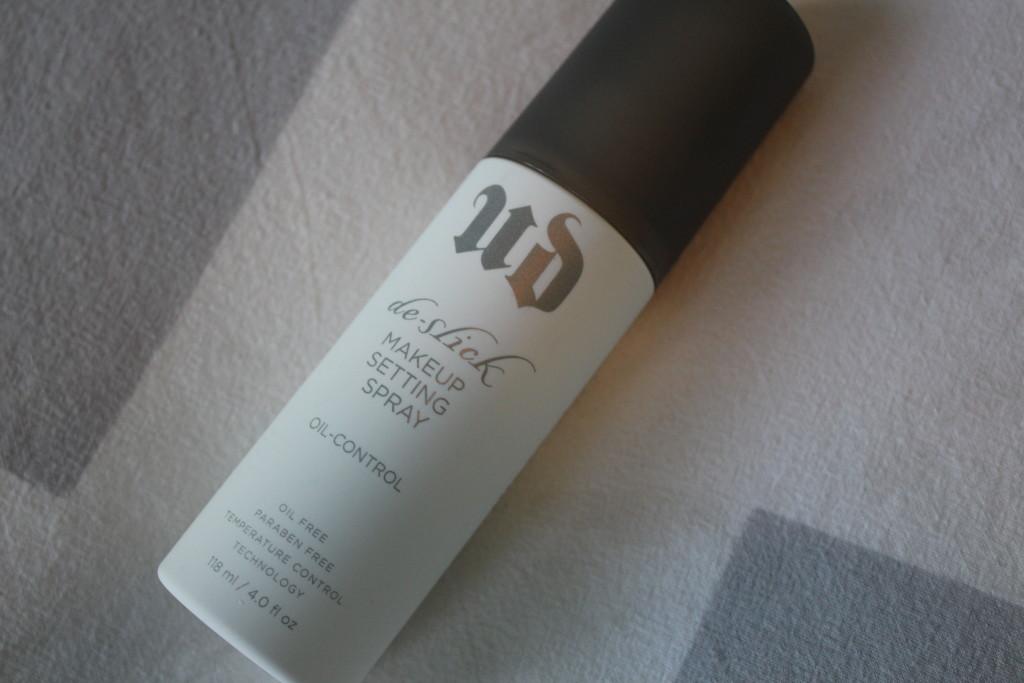 My Must Have | Urban Decay De-Slick Setting Spray
